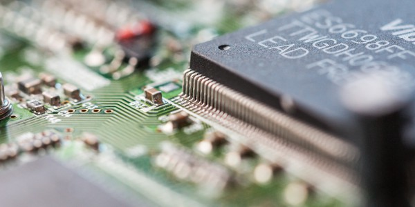 electronics_chip_board_hardware_close_up_2_picjumbo_com.jpg